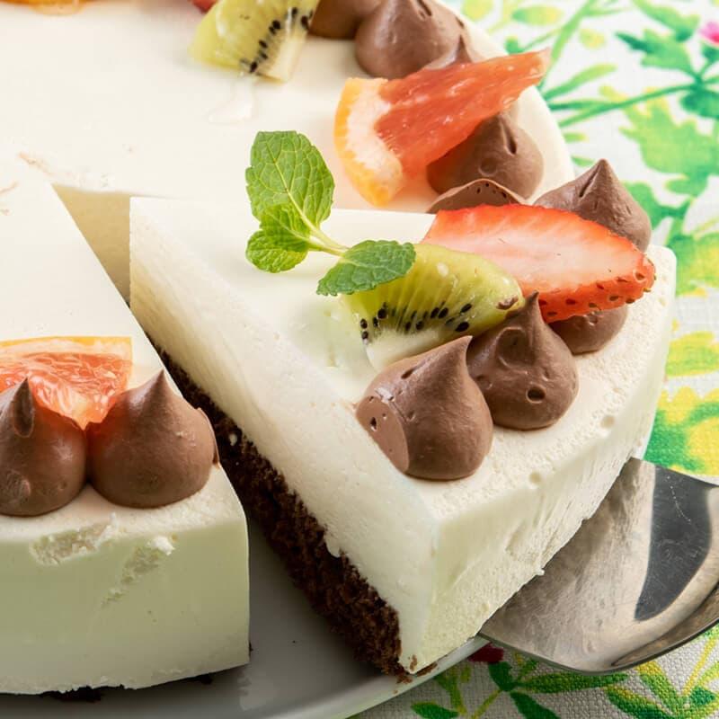 ホワイトチョコのムースケーキ スイパラ